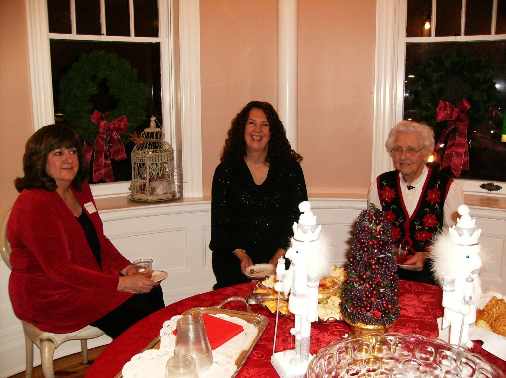 AAUW-Holiday-Party-2012-002-1024x765